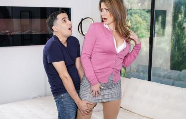 Ricky Spanisch, Emily Addison – Humper Therapie (RealityKings)